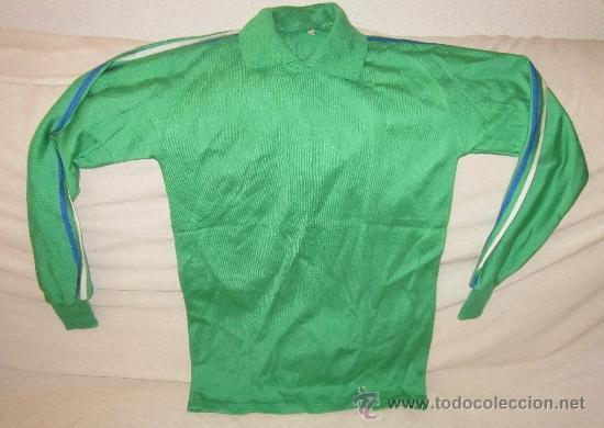 CAMISETA VERDE DE PORTERO,PPIO DE LOS AÑOS 70,FUTBOL,A ESTRENAR (Coleccionismo Deportivo - Ropa y Complementos - Camisetas de Fútbol)