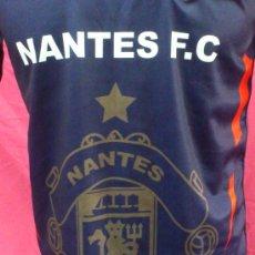 Coleccionismo deportivo: CAMISETA FUTBOL ORIGINAL PUMA SPORTING FRANCE. NANTES F.C . Nº18 MUERTE BLANCA.. Lote 35611161
