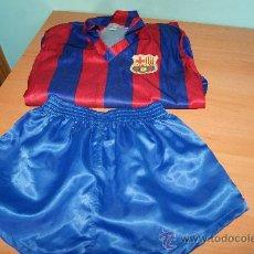 Coleccionismo deportivo: EQUIPACION DEL FUTBOL CLUB BARCELONA CADETE AÑOS 80 ?KEY SPORT. Lote 35683624