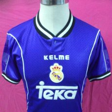 Coleccionismo deportivo: CAMISETA OFICIAL FUTBOL. REAL MADRID. TEKA. KELME. VISITANTE TEMPORADA 97-98.TALLA XS.. Lote 36225955
