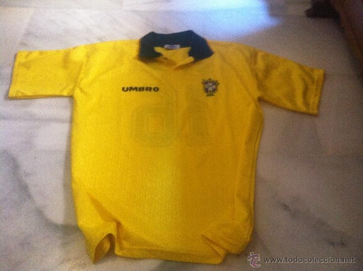 CAMISETA DE FUTBOL DE BRASIL UMBRO CON PATROCINADOR TALLA M (Coleccionismo Deportivo - Ropa y Complementos - Camisetas de Fútbol)