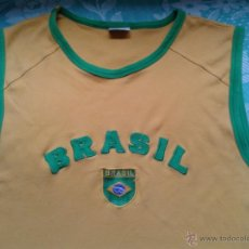 Coleccionismo deportivo: ESTUPENDA CAMISETA BRASIL CON ESCUDO VINTAGE. Lote 44021474