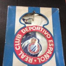 Coleccionismo deportivo: ANTIGUA Y MUY CURIOSA EQUIPACION DE FUTBOL - EQUIPO REAL CLUB DEPORTIVO ESPAÑOL - MARCA NOVO. Lote 44421368