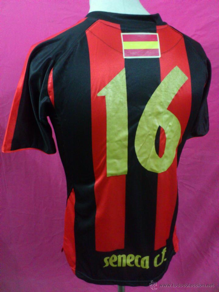 Coleccionismo deportivo  CAMISETA FUTBOL ORIGINAL BEMISER SENECA C.F. (  CORDOBA ) DORSAL 16 TALLA S efb3c926ed3