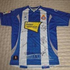 Coleccionismo deportivo: CAMISETA RCD ESPANYOL FIRMADA POR LOS JUGADORES.. Lote 31957550