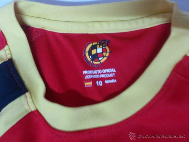 Coleccionismo deportivo: CAMISETA FUTBOL SELECCION ESPAÑOLA ESPAÑA PRODUCTO OFICIAL TALLA 10 (NIÑO) - Foto 4 - 34305440