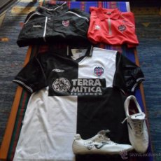 Coleccionismo deportivo: LOTE LEVANTE U.D TEMPORADA 03 04 ASCENSO 1ª DIVISIÓN. LIMONES 9 PRENDAS REGALO AUTÓGRAFOS PLANTILLA!. Lote 53104364