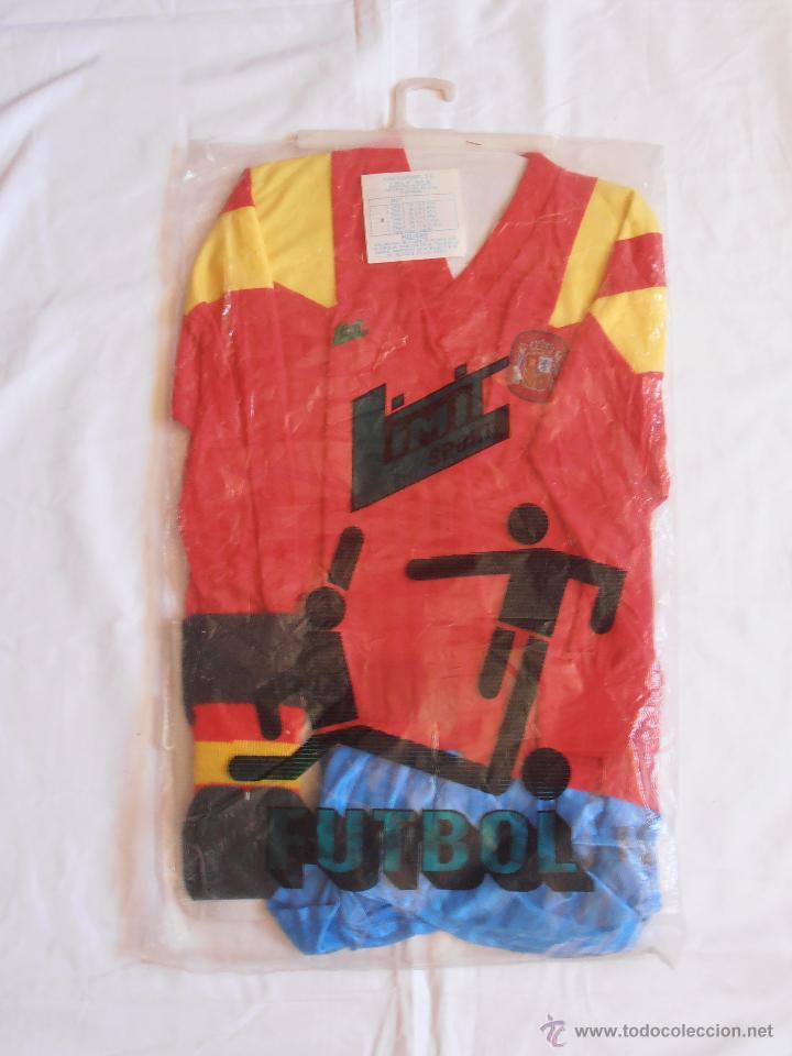 EQUIPACION NIÑO FUTBOL ESPAÑA 82 SIN ABRIR LIMIT SPORT TALLA 4 DE 7 A 9 AÑOS (Coleccionismo Deportivo - Ropa y Complementos - Camisetas de Fútbol)