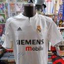 Coleccionismo deportivo: CAMISETA DEL REAL MADRID. RONALDO NAZARIO. DORSAL 9. OFICIAL ADIDAS. FIRMADA POR EL JUGADOR. TDKDEP8. Lote 155269332