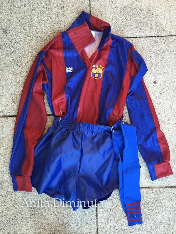ANTIGUA EQUIPACION PARA NIÑO O DISFRAZ DE JUGADOR DEL BARCELONA FUTBOL CLUB - BARÇA - TALLA 10 - KON (Coleccionismo Deportivo - Ropa y Complementos - Camisetas de Fútbol)