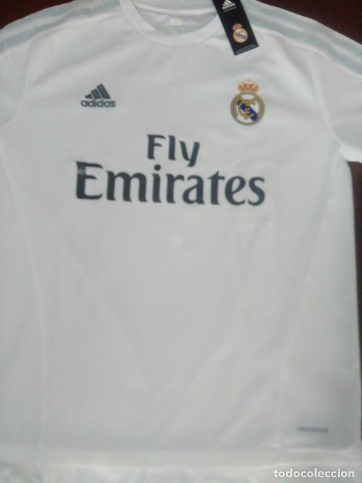 Camiseta Real Madrid firmada por Cristiano Ronaldo con certificado de  autenticidad 2015 2016 47286c74a9820