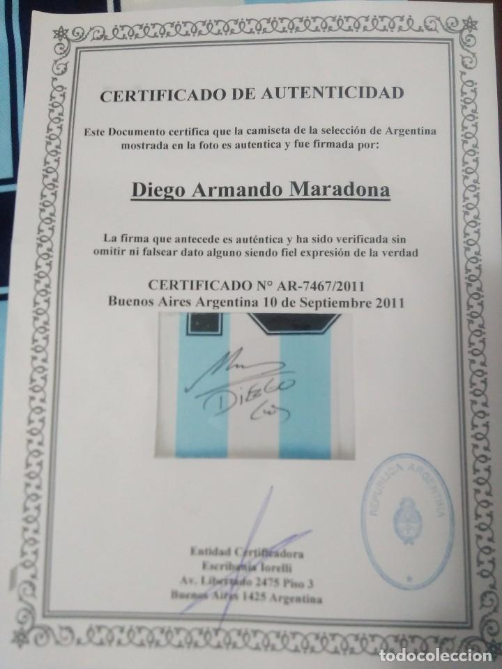 Coleccionismo deportivo  CAMISETA ARGENTINA FIRMADA POR MARADONA CON  CERTIFICADO DE AUTENTICIDAD MODELO AÑO 86 - cba086e77c019