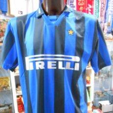 Coleccionismo deportivo: CAMISETA DEL INTER DE MILAN. PIRELLI. RONALDO EL GORDO. DORSAL 9. TALLA XL. TDKDEP10. Lote 147583790