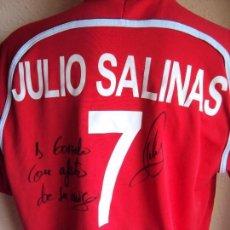 Coleccionismo deportivo: (F-161260)CAMISETA DEDICADA DE JULIO SALINAS , ESPAÑA , FUTBOL PLAYA , MATCH WORN. Lote 69361313