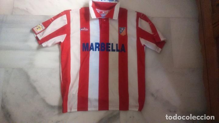 CAMISETA ATLETICO DE MADRID MARBELLA BROKAL (Coleccionismo Deportivo - Ropa  y Complementos - Camisetas de 8d02f3cd2bd