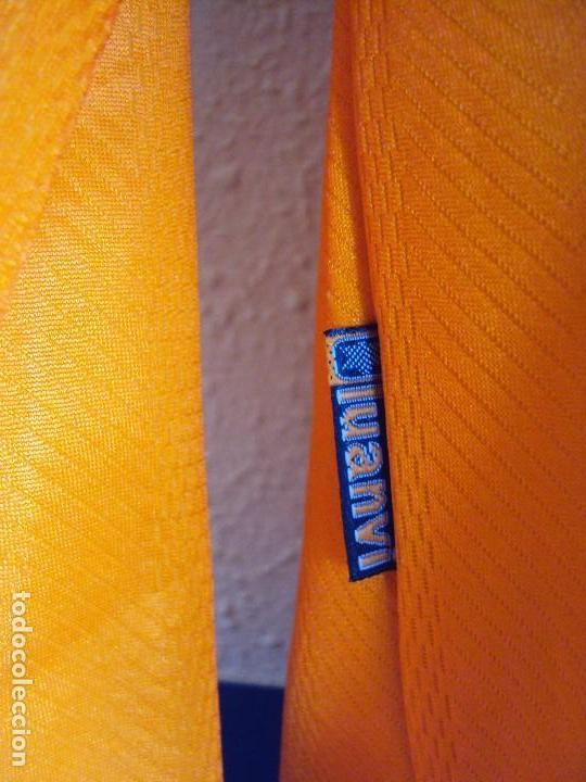 Coleccionismo deportivo: (F-170577)CAMISETA DE DJUCKIC , VALENCIA C.F. MARCA LUANVI , TALLA XL - Foto 9 - 86703704
