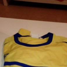 Coleccionismo deportivo: G-151217 CAMISETA DE FUTBOL AMARILLA UMBRO TALLA X LARGE NUMERO 7 A LA ESPALDA. Lote 101490755