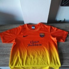 Coleccionismo deportivo: CAMISETA FÚTBOL FC BARCELONA NARANJA. Lote 103061786
