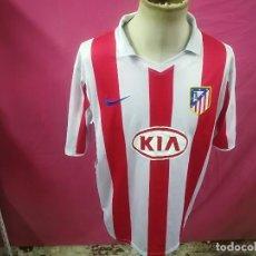 Coleccionismo deportivo: CAMISETA FUTBOL ATLETICO MADRID Nº10 KUN AGUERO KIA NIKE. Lote 109536347