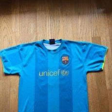 Coleccionismo deportivo: CAMISETA FC BARCELONA PRODUCTO OFICIAL ,RONALDINHO. Lote 110329879