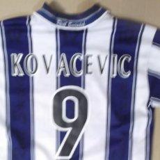 Coleccionismo deportivo: CAMISETA FUTBOL ORIGINAL ASTORE OFICIAL REAL SOCIEDAD JUGADOR KOVASEVIC. Lote 129368123
