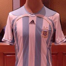 Coleccionismo deportivo: CAMISETA SELECCION ARGENTINA FUTBOL. MUNDIAL 2006. ADIDAS USADA. TALLA M. USADA BUEN ESTADO.. Lote 137254518