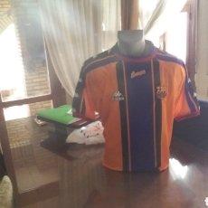Coleccionismo deportivo: FC BARCELONA. CHAMPIONS 98. 2 EQUIPACION KAPPA. TALLA L.. Lote 147930814