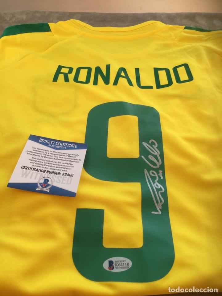 CAMISETA BRASIL 2002(GANARON EL MUNDIAL) FIRMADA A MANO POR RONALDO COA BECKETT (Coleccionismo Deportivo - Ropa y Complementos - Camisetas de Fútbol)