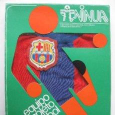 Coleccionismo deportivo: EQUIPO COMPLETO DE FUTBOL BARCELONA - AÑOS 70 - CREACIONES JAVIER MARCO. Lote 148434470