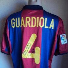 Coleccionismo deportivo: (F-190190)CAMISETA DE GUARDIOLA F.C.BARCELONA DEDICADA - MARCA NIKE - DORSAL 4 - TALLE L. Lote 149210366