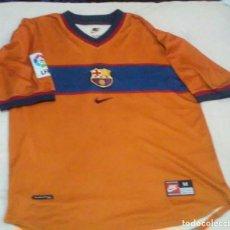 Coleccionismo deportivo: CAMISETA FUTBOL CLUB BARCELONA (COLOR NARANJA) DORSAL 10 JUAN DAVID. Lote 151303150
