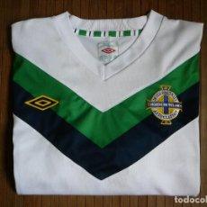 Coleccionismo deportivo: CAMISETA UMBRO NORTHERN IRELAND. IRISH FOOTBALL ASSOCIATION. FUTBOL. IRLANDA DEL NORTE. TALLA XXL. Lote 151521618