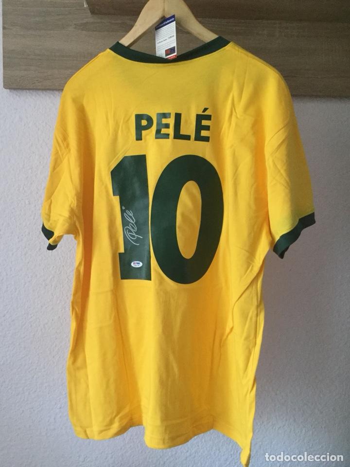 CAMISETA DE LA SELECCIÓN DE BRASIL FIRMADA A MANO POR PELÉ CON CERTIFICADO PSA!!! (Coleccionismo Deportivo - Ropa y Complementos - Camisetas de Fútbol)