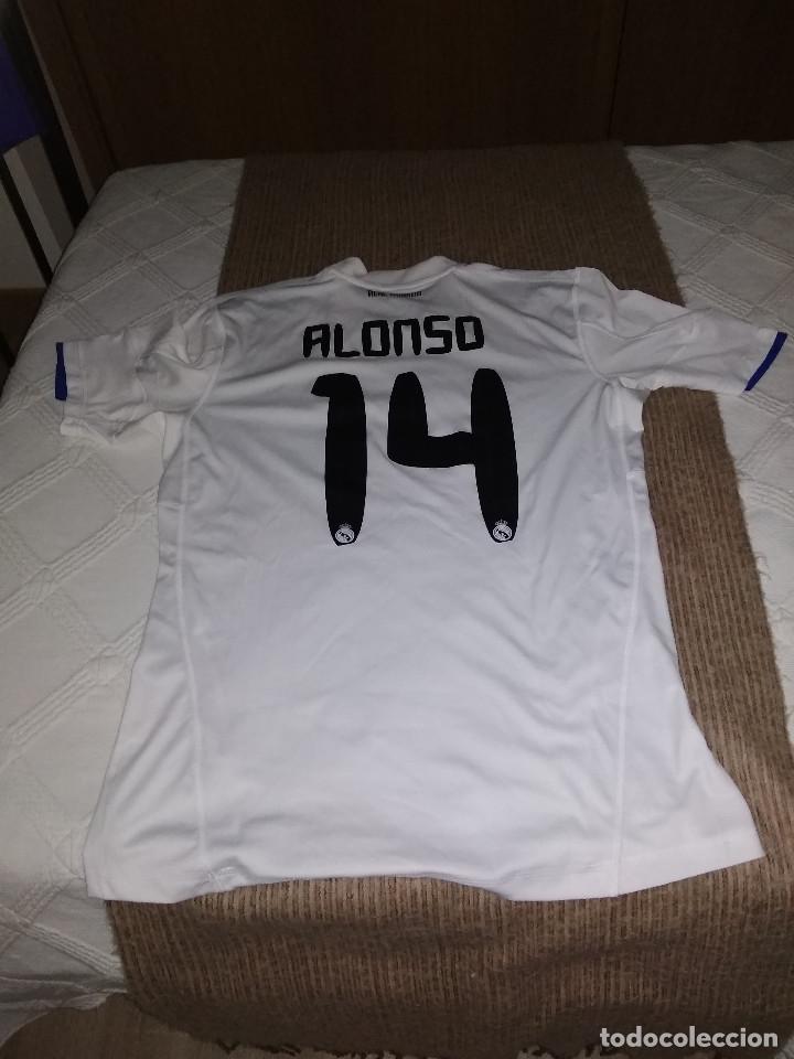 Coleccionismo deportivo: XABI ALONSO / CAMISETA REAL MADRID / OFICIAL ADIDAS / AXILAS 50 LARGO 74 - Foto 2 - 158284690
