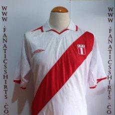 Coleccionismo deportivo: CAMISETA FUTBOL SELECCION PERU 2014 UMBRO BRASIL . Lote 165739814