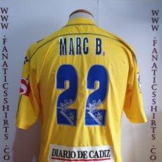 Coleccionismo deportivo: CAMISETA FUTBOL CADIZ C.F Nº22 MARC BERTRAN 2005-2006 KELME . Lote 169899400