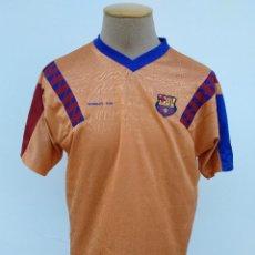 Coleccionismo deportivo: CAMISETA FUTBOL F.C.BARCELONA. WEMBLEY 1992. PRODUCTO OFICIAL. LEER DESCRIPCION. SE REGALA BUFANDA.. Lote 171349214
