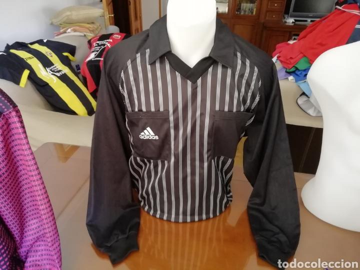Coleccionismo deportivo: Camisetas árbitros llamativas. Diferentes colores. - Foto 4 - 171452398