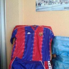 Coleccionismo deportivo: FC BARCELONA CONJUNTO COMPLETO CAMISA Y CALZON 1993- 94. Lote 172079217