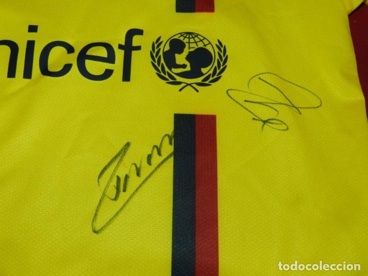 Coleccionismo deportivo: (M) Camiseta Oficial FC Barcelona Temporada 2008 - 2009 Firmada Por Andrés Iniesta, Xavi Hernández, - Foto 4 - 172746790