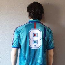 Coleccionismo deportivo: CAMISETA FUTBOL F.C BARCELONA Nº8 1995-1996 AWAY KAPPA . Lote 173839659