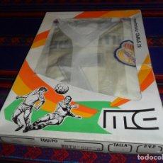 Coleccionismo deportivo: CAMISETA PANTALÓN REAL MADRID BUTRAGUEÑO. MANUFACTURAS CAVALLE. TALLA 0 7-9 AÑOS. EN BLISTER AÑOS 80. Lote 175168737