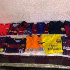 Coleccionismo deportivo: LOTE DE 12 CAMISETAS ANTIGUAS Y NUEVAS FÚTBOL CLUB BARCELONA - VER LAS FOTOS. Lote 177664559