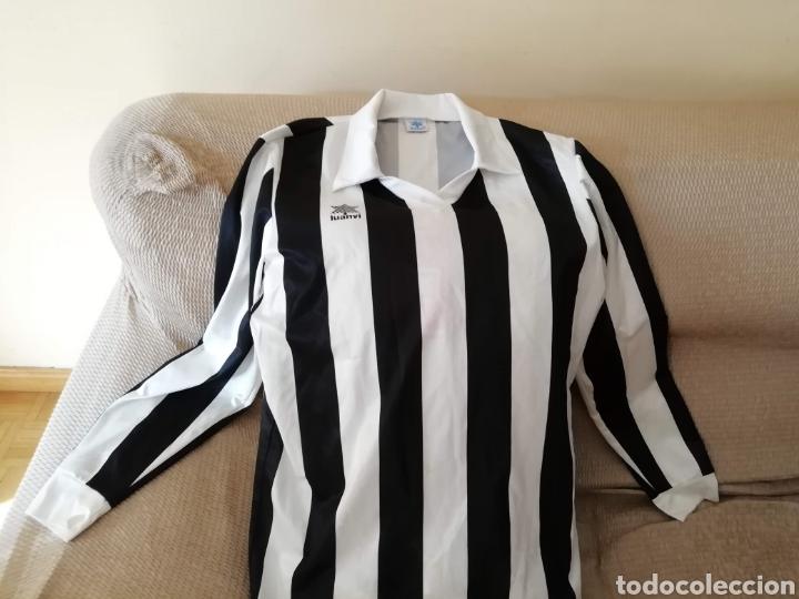 Coleccionismo deportivo: Camiseta blanquinegra antigua. Talla L. Luanvi - Foto 2 - 178161172
