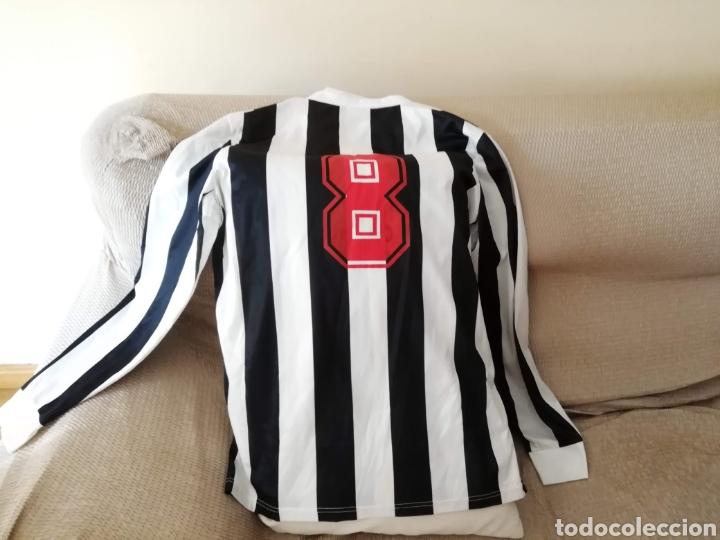 Coleccionismo deportivo: Camiseta blanquinegra antigua. Talla L. Luanvi - Foto 4 - 178161172