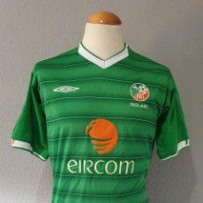 Coleccionismo deportivo: SELECCION REPUBLICA IRLANDA (EIRE) 2003 CAMISETA FUTBOL UMBRO. Lote 179064206