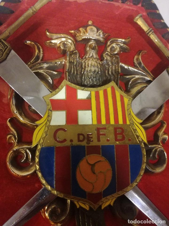 Coleccionismo deportivo: 1970 Escudo de Armas Militar Franco CF BARCELONA Futbol football weapon coat of arms - Foto 2 - 180975543