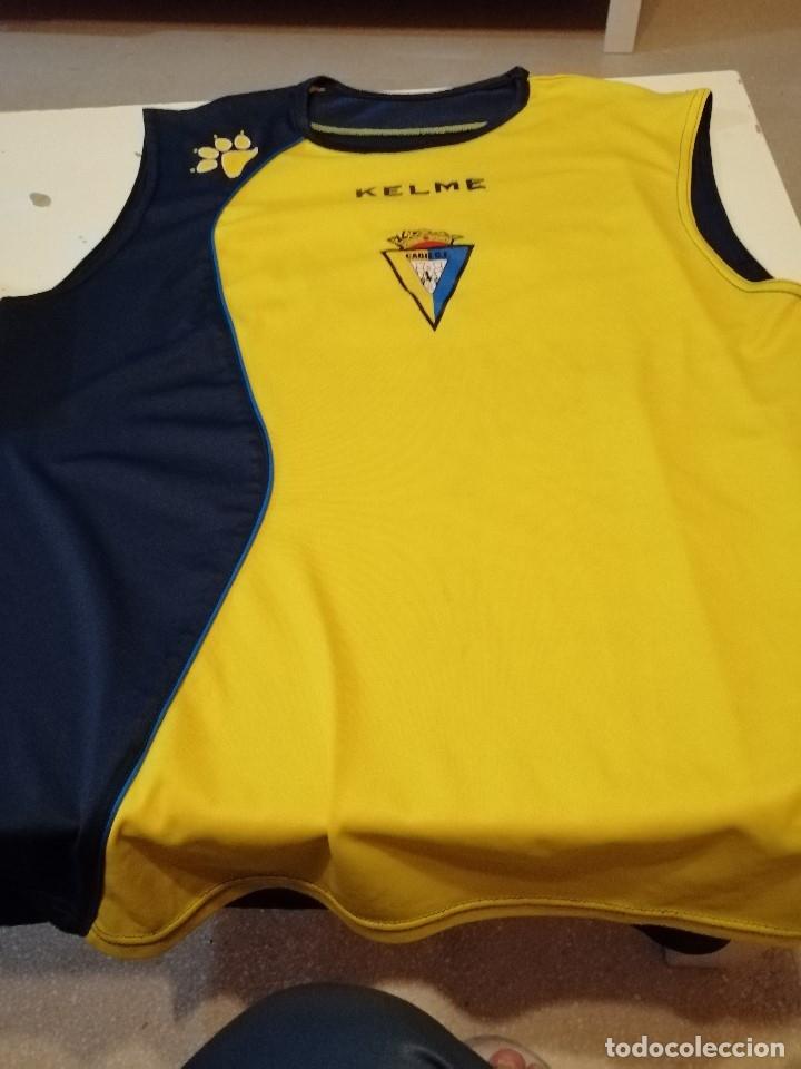 G-OJU32 CAMISETA DE FUTBOL DE ENTRENAMIENTO DE CADIZ CLUB DE FUTBOL SIN MANGAS NO APARECE TALLA (Coleccionismo Deportivo - Ropa y Complementos - Camisetas de Fútbol)