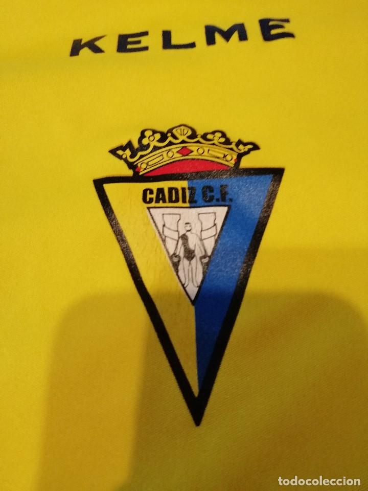 Coleccionismo deportivo: G-OJU32 CAMISETA DE FUTBOL DE ENTRENAMIENTO DE CADIZ CLUB DE FUTBOL SIN MANGAS NO APARECE TALLA - Foto 2 - 181225417