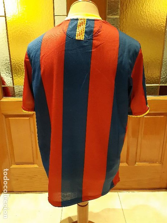 Coleccionismo deportivo: CAMISETA FC BARCELONA BARCA TEMPORADA 2010-11. NIKE. TALLA XL. SIN DORSAL. USADA BUEN ESTADO. - Foto 2 - 194238646